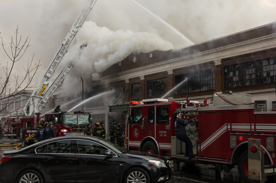 A four alarm fire in a vacant building at 1900 Washington Avenue in Downtown St. Louis, MO.